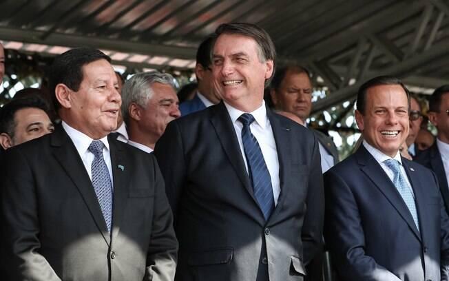 Vice-presidente Hamilton Mourão, presidente Jair Bolsonaro e governador de São Paulo, João Doria