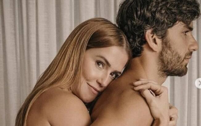 Deborah Secco e o marido Hugo Moura
