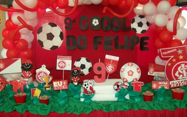 As cores e o emblema do time de futebol do coração do aniversariante é algo que nunca sai de moda na decoração das festas