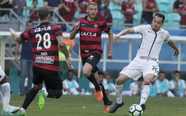 Corinthians superou o Vitória pelo Brasileirão