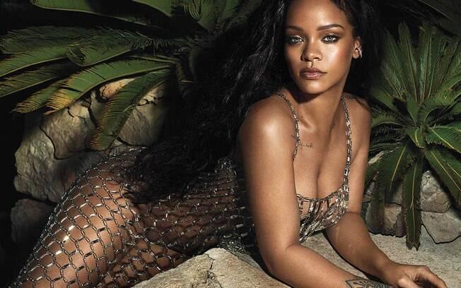 Rihanna fala sobre o seu atual relacionamento com o rapper Drake em entrevista a revista Vogue