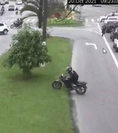 Câmeras ajudam a prender homem suspeito de furtar motos