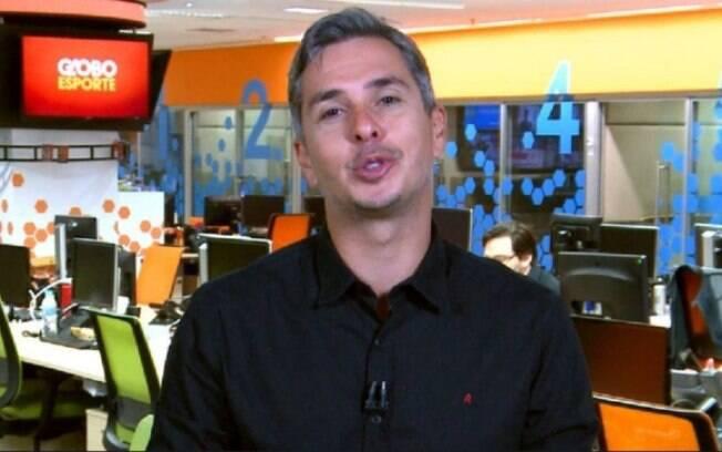 Ivan Moré chora na Redação e aparece com olhos inchados ao vivo