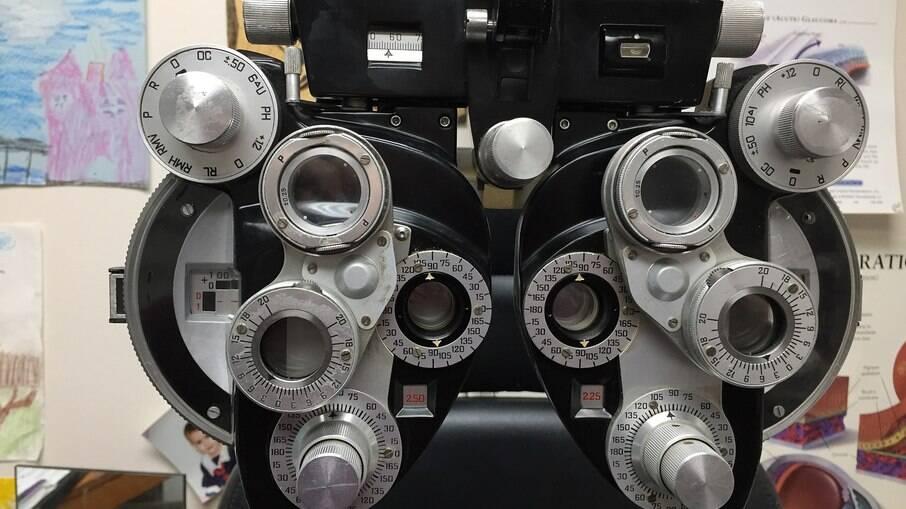 Equipamento utilizado para exame oftamológicos