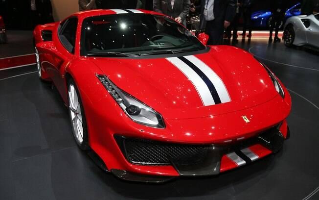 Ferrari 488 Pista: versão mais potente do superesportivo é o principal destaque da marca italiana em Genebra