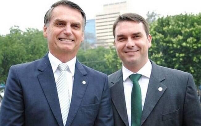 Flávio Bolsonaro e seu pai, Jair Bolsonaro