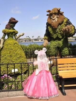 Parque temático da Disney ganha esculturas em arbustos durante o Epcot International Flower & Garden Festival