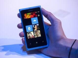 Atualmente no mercado, Nokia Lumia 800 pode não ganhar atualização para Windows Phone 8