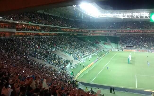 Palmeirenses lotam o Allianz Parque para o jogo contra o Sport. Foto   Gabriela Chabatura 744149eb7b4e3