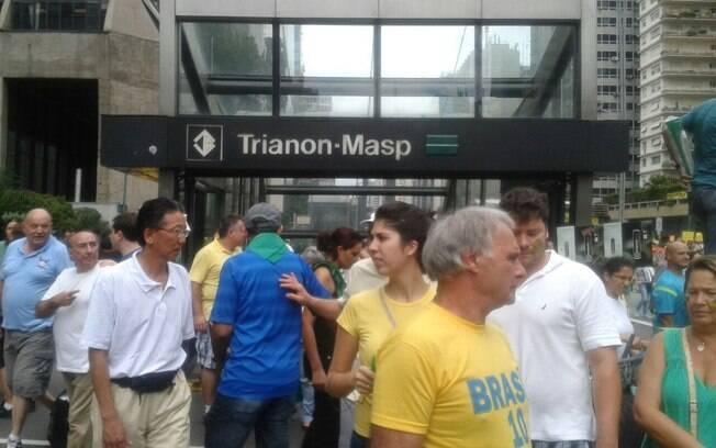 Manifestantes saindo do metrô. Foto: Ana Flávia Oliveira/iG São Paulo