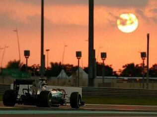 Soberano, Rosberg faz 6ª pole seguida