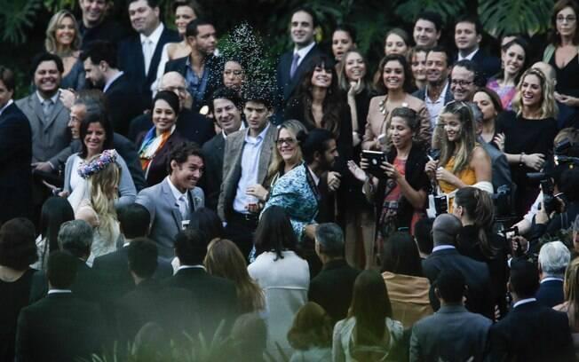 Fiorella Mattheis e Flávio Canto se casam