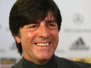 Löw faz um bom trabalho na seleção alemã e montou um excelente time, mas é criticado pela falta de títulos