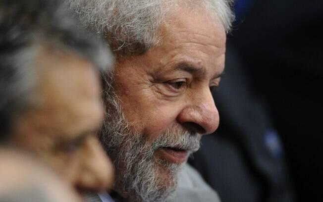 Juiz Sérgio Moro e TRF-4 condenaram ex-presidente Lula por crimes de corrupção e lavagem no caso tríplex da Lava Jato