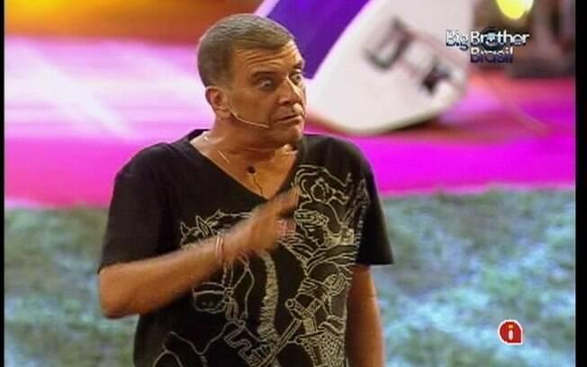 Jorge Fernando dá um espetáculo para os brothers