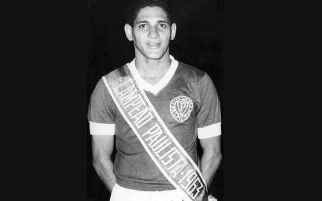 Gildo com a faixa de campeão paulista do Palmeiras em 1963