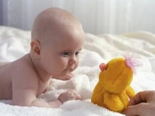 Envie a foto do seu filho com o brinquedo predileto dele para comemorar o Dia das Crianças