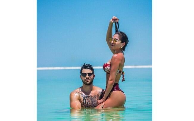 Namorada de Alok mostra corpão em viagem com o DJ