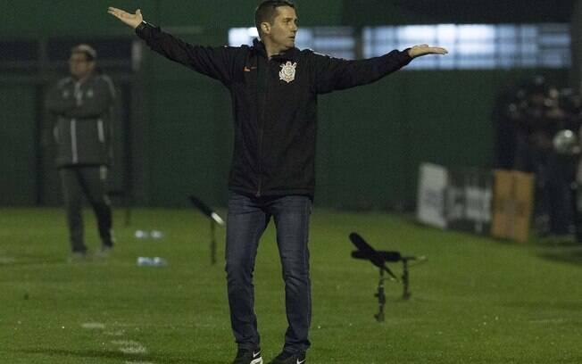 O técnico do Corinthians, Osmar Loss,continuará no cargo segundo o presidente do clube