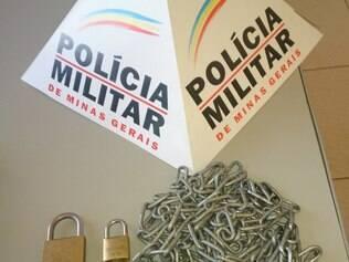 Correntes e cadeados foram apreendidos pela Polícia Militar