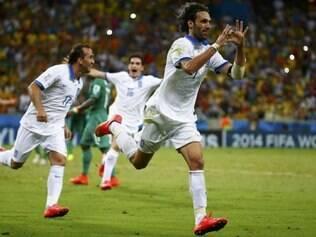 No fim da partida, centroavante fez o gol da vitória sobre os Elefantes, em cobrança de pênalti