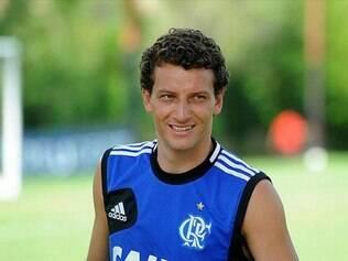 Elano está livre no mercado e aguarda propostas para seguir no futebol brasileiro