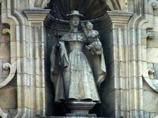 Detalhe da estátua da Virgem Peregrina, padroeira da rota portuguesa