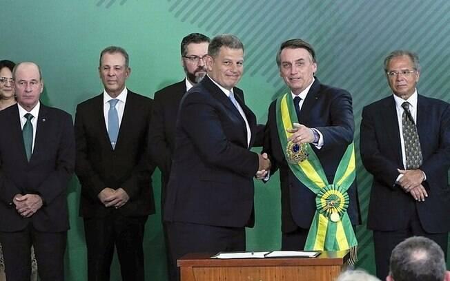 Gustavo Bebianno elogia Bolsonaro, mas ataca Carlos em entrevista