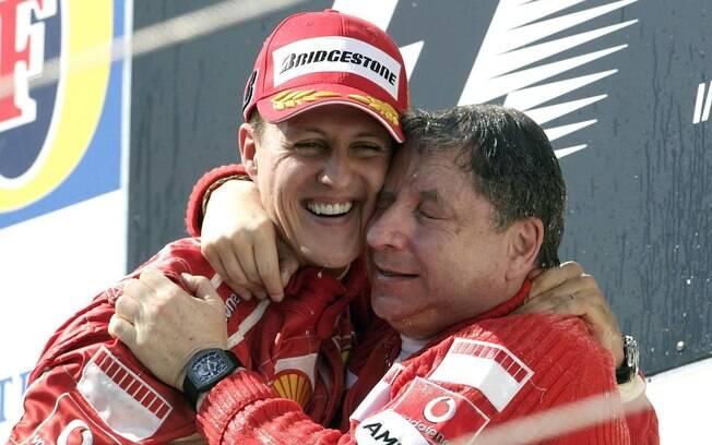 Schumacher comemora vitória