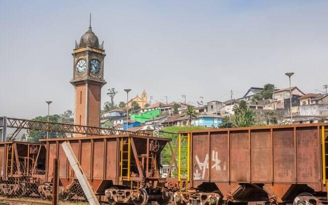 É possível visitar Paranapiacaba através da linha turística operada pelo EMTU.