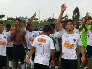 Jogadores do Atlético Sub-17 comemoram quinto título da Future Champions