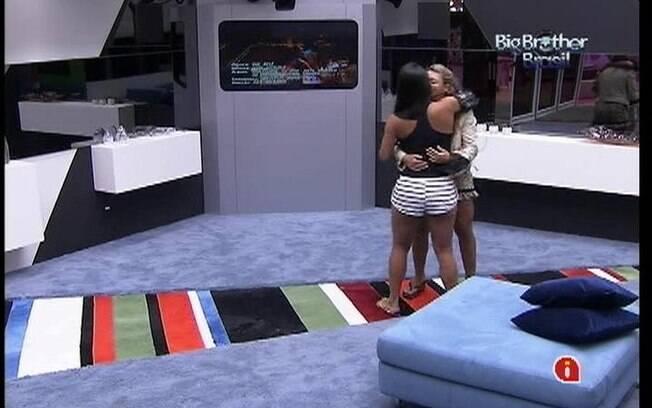 Kelly e Fabiana se abraçam pela manhã ao som de Ivete Sangalo