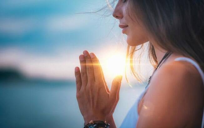 3 orações para afastar a inveja da sua vida