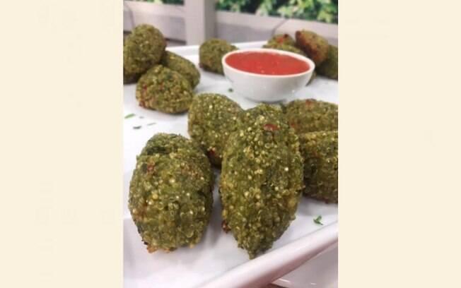 Bolinho crocante de quinoa e alga nori fica pronto em 30 minutos e rende 24 porções