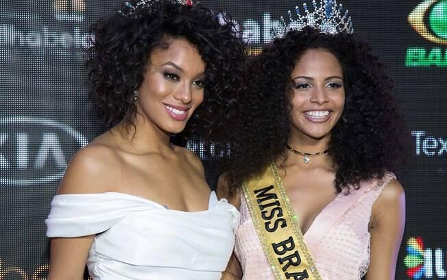 A coroa é nossa! Raissa Santana (Miss Brasil 2016) e Monalysa Alcântara (Miss Brasil 2017)
