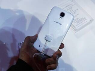 Câmera de 13 megapixels é um dos recursos que mais evoluiram da terceira para a quarta geração do Galaxy S