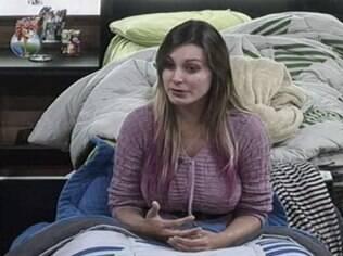 Emocionada, Andressa desabafa com Scheila Carvalho