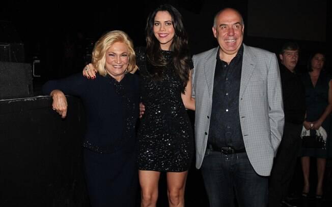 Hebe Camargo com o casal Daniela Albuquerque e Amilcare Dallevo Jr.