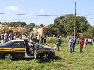 Segundo inspetor da PRF, uma das vítimas foi encontrada ainda com capacete