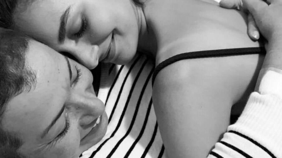 Marina Moschen lamenta morte da mãe e a homenageia: 'Voa livre'
