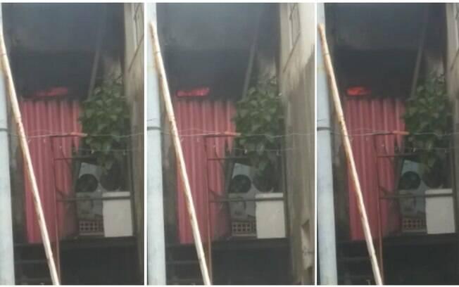 Idoso dormiu com cigarro acesso e causou incêndio na própria casa