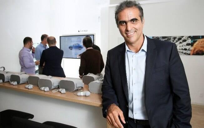 O presidente e CEO da VW região América do Sul e Brasil, Pablo Di Si e o novo modelo de concessionária virtual da marca