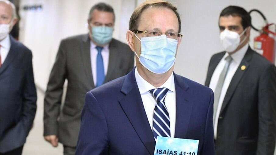 Carlos Wizard chegando no Senado Federal na última quarta-feira, 30