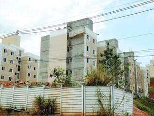 Inacabado.  O condomínio Assunção Life, da construtora Tenda, está sendo construído desde 2010 e deveria ter sido entregue em 2012