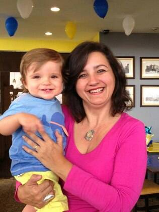 Rosangela e o neto, Max, de um ano e meio