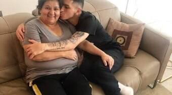 Após perder mãe, uruguai que sair da Europa e é alvo de brasileiros