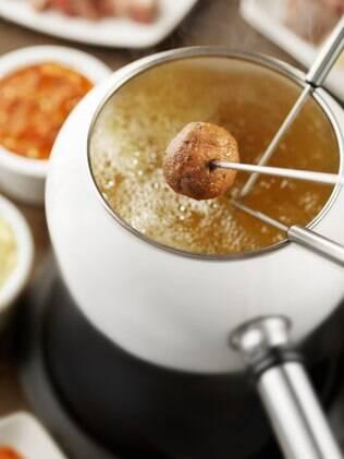 Fondue frito também é uma boa opção para incrementar a noite da fondue