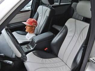 Interior do E55 AMG que foi de Schumacher tem opcionais raros para a o final dos anos 90