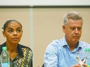 Evento. Marina Silva ao lado do senador Rodrigo Rollemberg (PSB) durante Congresso da Rede, ontem