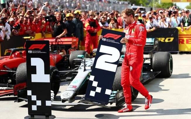 Sebastian Vettel chegou na frente com a Ferrari, mas acabou ficando em segundo no Canadá